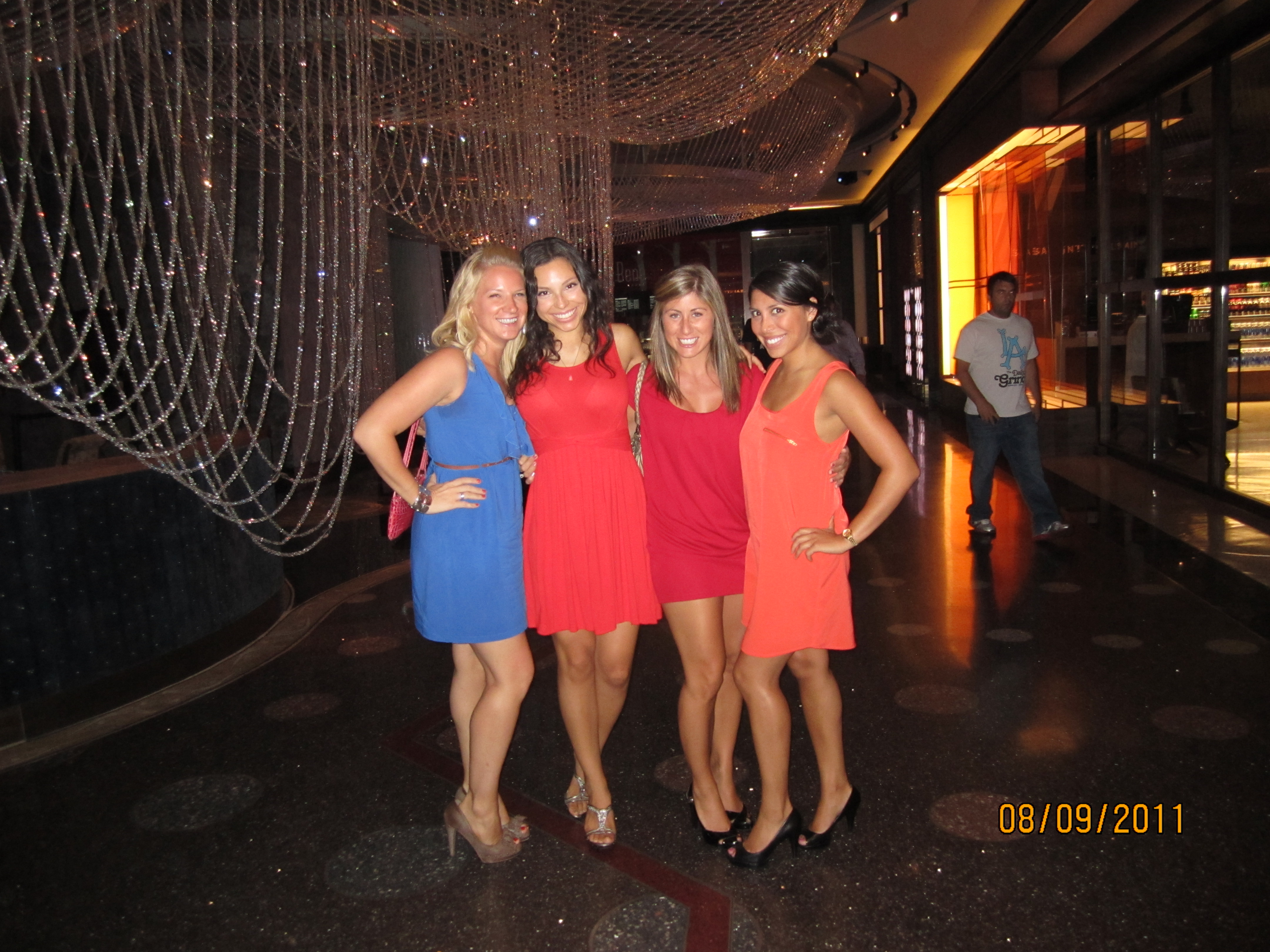 Fashion style Wear to what night out in vegas for lady